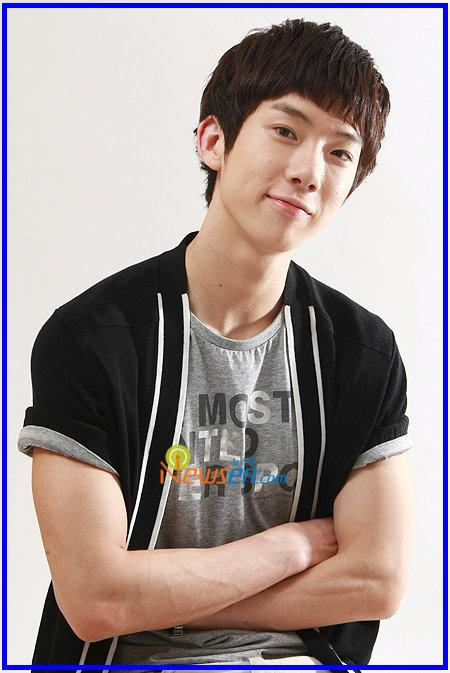 http://woybarnasianpop.files.wordpress.com/2010/11/jokwon-2am.jpg