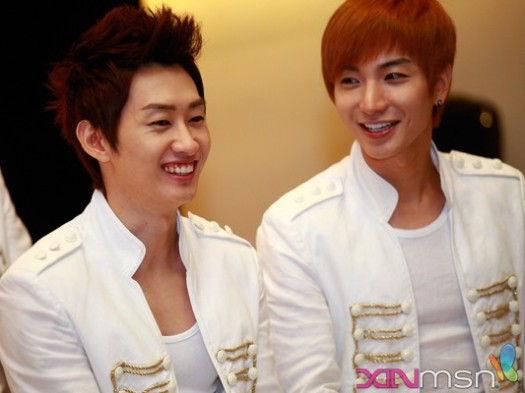 http://woybarnasianpop.files.wordpress.com/2011/01/20110131_eunteuk.jpg